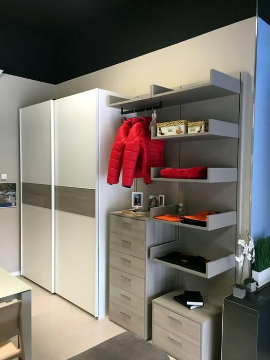armadio scorrevole con cabina laterale