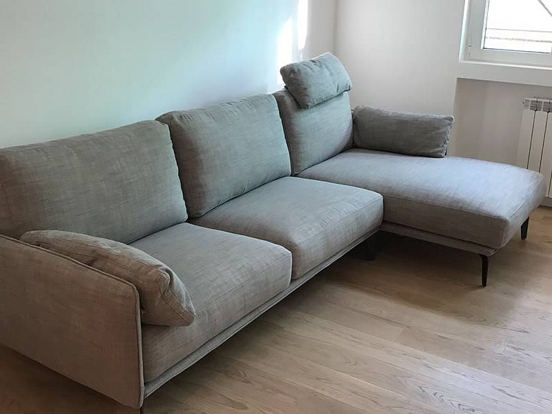 divano living in tessuto