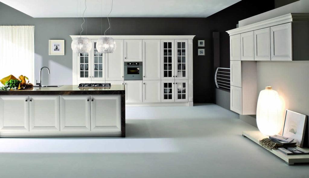 Cucina in laccato bianco stile classico - Cucina classica