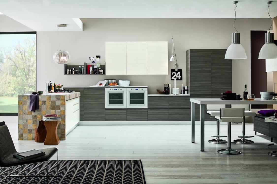 Cucina in materico larice grigio e bianco - Cucina moderna