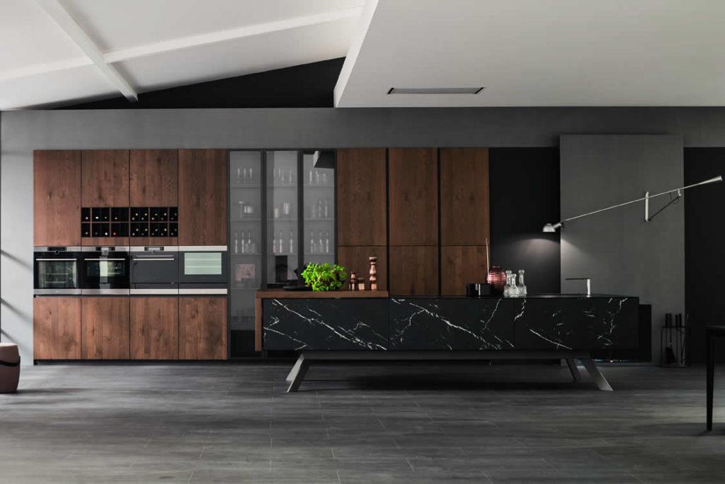 Cucina in rovere anticato e pietra - Cucina moderna